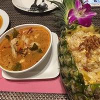 Снимок сделан в Tanta's Thai Restaurant пользователем Frank 3/31/2017