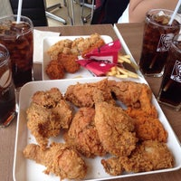 Photo taken at KFC by ToonPota♡ on 10/29/2015