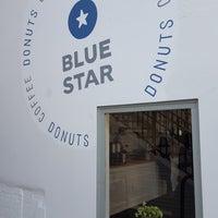 Снимок сделан в Blue Star Donuts пользователем Melody Ybona G. 2/10/2018