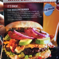 Photo taken at Red Robin Gourmet Burgers by Peter K. on 9/16/2017