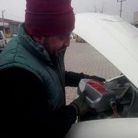 Photo taken at ŞENGÖNÜL OTO SERVİS by Ahmet B. on 12/30/2014