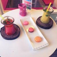 Foto tomada en Büyükada Şekercisi Candy Island Cafe Patisserie por Derya ç. el 4/22/2016
