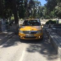 Photo taken at Soğukkuyu Mezarlığı by Emrah G. on 6/4/2016