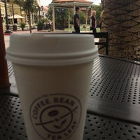 Photo taken at The Coffee Bean & Tea Leaf by Rayd A. on 4/4/2017
