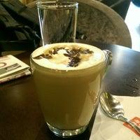 Photo taken at The Coffee Bean & Tea Leaf by Karthik M. on 2/26/2015