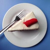 Foto tomada en Reader's Cafe por len g. el 9/8/2014