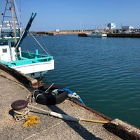 Photo taken at 乙浜漁港 by Satoru on 6/2/2018