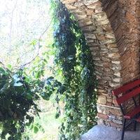 10/8/2018 tarihinde Seçkinziyaretçi tarafından Artemis Restaurant & Şarap Evi'de çekilen fotoğraf