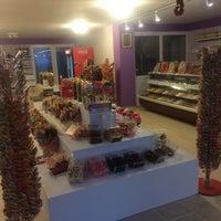 Photo taken at Kaftan Çerez&Lokum 1.Şubesi by Sugarworld A. on 10/19/2014