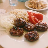 Photo taken at Tahsin Usta'nın Lokantası by NǺzlı S. on 7/29/2015