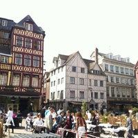 Photo prise au Place du Vieux Marché par Olivier B. le4/17/2013