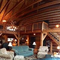 Photo taken at Gateway Lodge Country Inn Resort & Spa by Emily B. on 12/2/2013