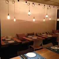 Foto tomada en La T Gastrobar por Nicholas F. el 12/1/2012