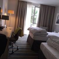 Das Foto wurde bei Mercure Hotel Düsseldorf Kaarst von Viktor K. am 8/15/2015 aufgenommen
