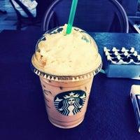 5/5/2015 tarihinde Emine T.ziyaretçi tarafından Starbucks'de çekilen fotoğraf