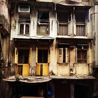 Photo taken at Chor Bazaar (Thieves' Market) by Александр М. on 1/26/2014