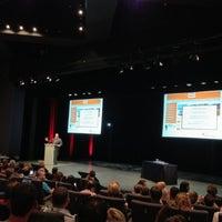 รูปภาพถ่ายที่ Grimaldi Forum โดย Siim L. เมื่อ 6/1/2013