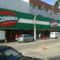 Foto tirada no(a) Supermercado Econômico por Ruan M. em 2/14/2013