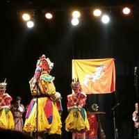 Photo taken at Théâtre de Ménilmontant by SuperBreton on 7/21/2014