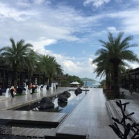 Photo taken at Le Méridien Shimei Bay Beach Resort & Spa by Strong Z. on 10/3/2016