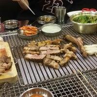 Photo taken at 노천드럼통 by Yong-Min L. on 10/8/2014