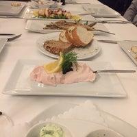 Das Foto wurde bei Ariston Restaurant von Kenji S. am 2/13/2017 aufgenommen