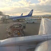 Photo taken at Gate E by umoreru on 11/6/2014