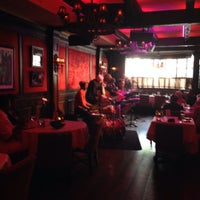 Photo taken at The Dirty Dog Jazz Cafe by Stephen on 6/7/2014