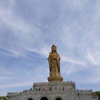 Photo taken at 南海观音 Nanhai Avalokitesvara Bodhisattva by Nils on 5/3/2018