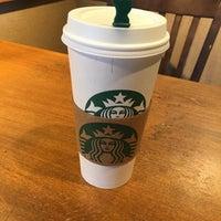 Photo prise au Starbucks par Mike T. le2/10/2016