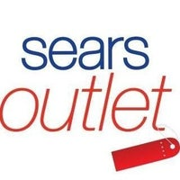 Photo taken at Sears Outlet - Closed by Sears Hometown & Outlet S. on 8/28/2016