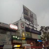 Photo prise au Plaza Manzana par Ram Q. le6/25/2014