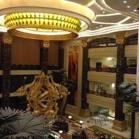 Photo taken at 南通大饭店 Nantong Hotel by F.keleş on 10/31/2015