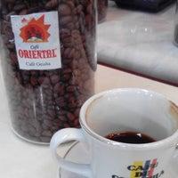 Foto scattata a Conde De Medellin Especiality Coffees México da Jon D. il 8/31/2016