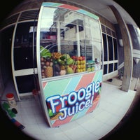 Photo taken at Froogle Juice! by Abdul Wahid H. on 11/22/2013