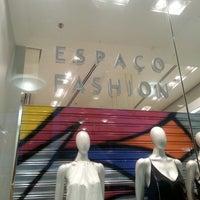 Photo taken at Espaço Fashion by Julia M. on 11/20/2013