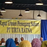 Photo taken at Pujasera Merdeka by Djoni A. on 6/25/2014