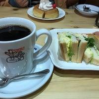 Photo taken at Komeda's Coffee by Katsunori M. on 3/18/2017