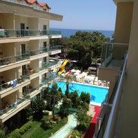 6/25/2012 tarihinde Yavuz B.ziyaretçi tarafından Grand Ring Hotel'de çekilen fotoğraf