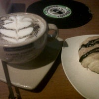 Photo taken at Coffee Toffee by non g. on 4/2/2012