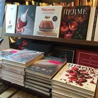 Foto tirada no(a) Librairie Gourmande por Cecília L. em 11/20/2014