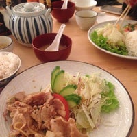 Photo taken at SW9 Sushi Bar by Anthony S. on 11/28/2013
