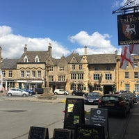 Photo taken at Stow-on-the-Wold by Rata R. on 7/12/2017