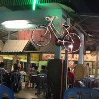 Das Foto wurde bei LAILA SEAFOOD von #nescaffe o. am 10/18/2014 aufgenommen