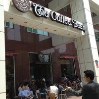Photo taken at The Coffee Bean & Tea Leaf by Jae Hyun K. on 5/13/2013