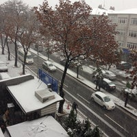 Photo taken at İstanbul Aydın Üniversitesi Hazırlık Okulu by Nur E. on 12/12/2013