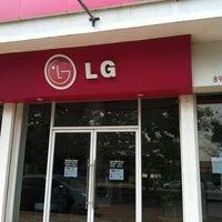 Photo taken at LG ServiceCenter by ยอดมนุษย์ ปุ๊ดซีแลนด์ on 3/20/2013