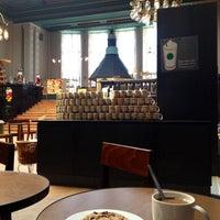 Das Foto wurde bei Starbucks von Daniela B. am 6/11/2013 aufgenommen