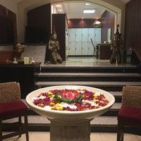 Photo taken at Niloofar Abi Spa & Massage Center by Mahshid K. on 3/17/2016
