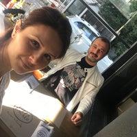 Foto scattata a Pizza Locale da Zuhal I. il 5/13/2018